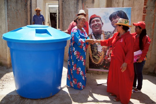 Entregamos tanques  a comunidades indígenas