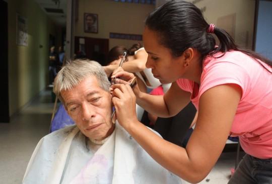 Gobernación brindó Brindamos a adultos mayores  Asistencia médica e integral
