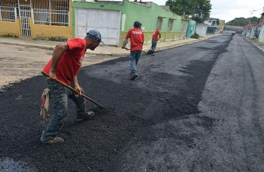 Continuamos Plan de asfaltado al Sur del municipio Valencia