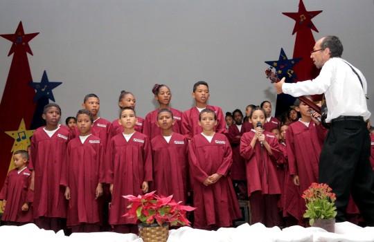 Villa Olímpica vibró al son navideño con Semilleros de Coros Infantiles