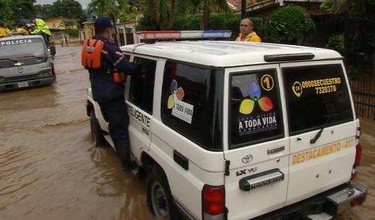 Estamos junto a la FANB  desplegados atendiendo situación de lluvias
