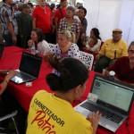 Carabobeños asisten masivamente al censo del Carnet de la Patria