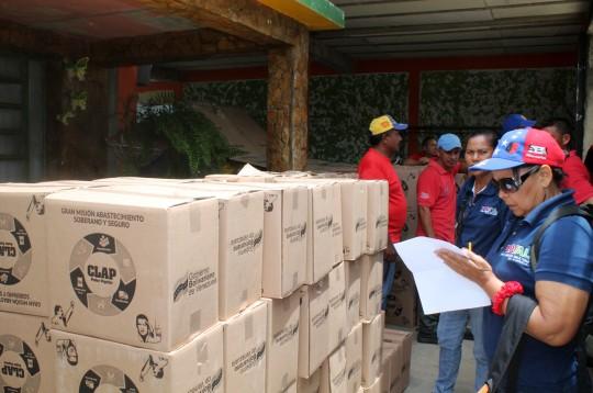 Más de 2 mil 100 familias de Montalbán  favorecidas con entrega de alimentos