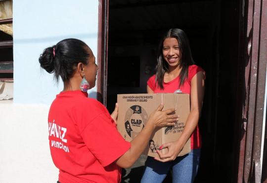 Gobierno Bolivariano benefició en Trapichito I 920 familias con cajas Clap