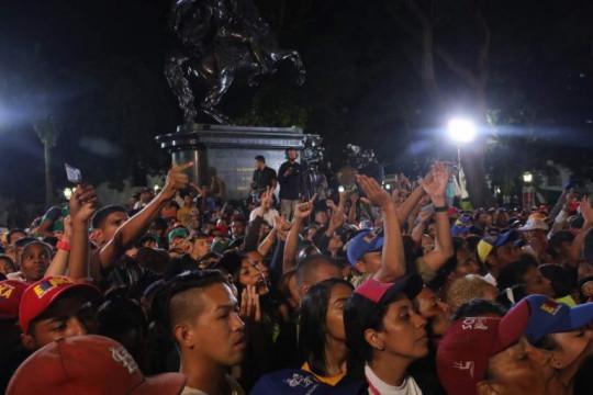 Pueblo celebró en las calles triunfo de la revolución en elecciones de este domingo
